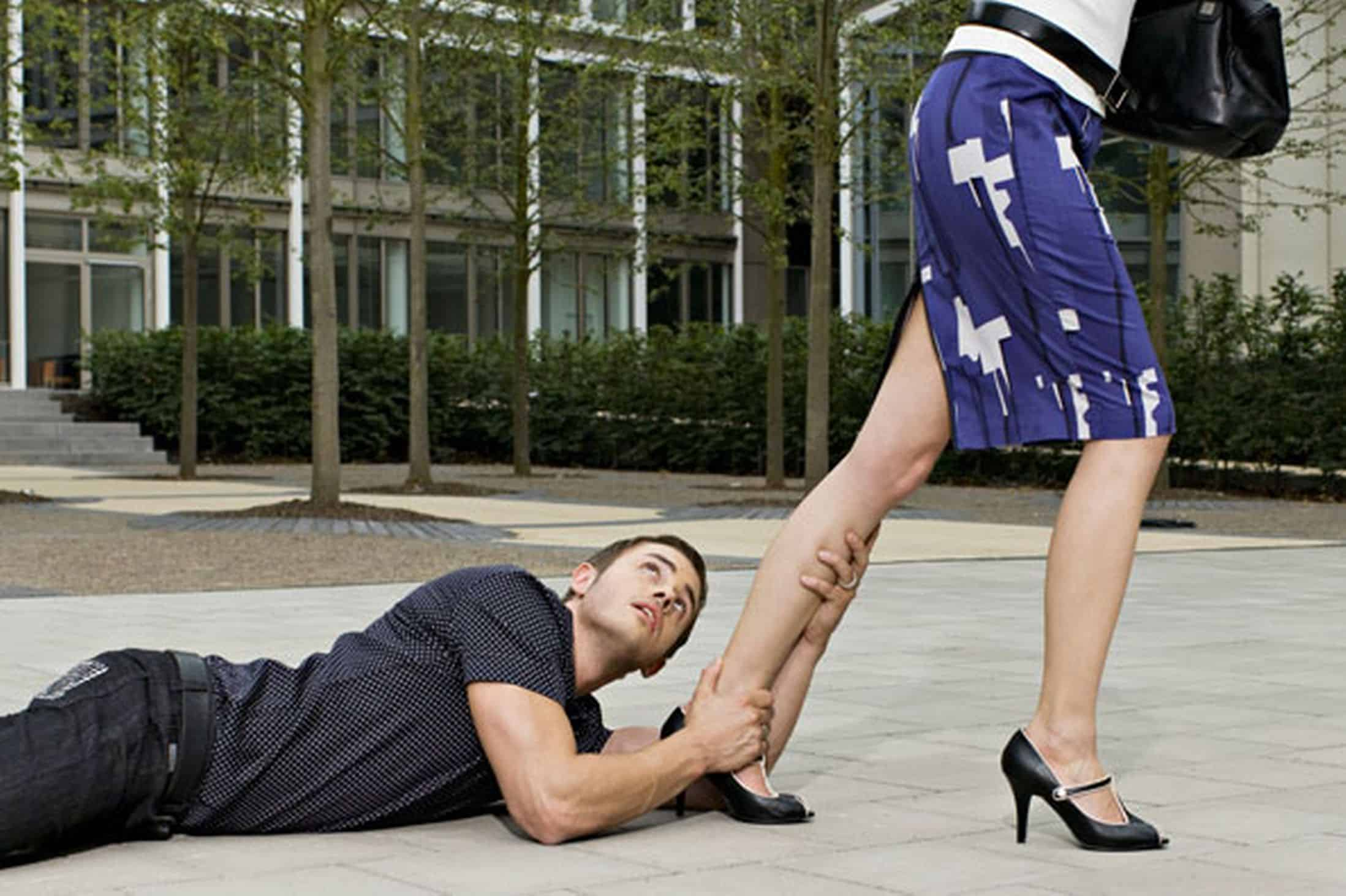 man begging a woman for attention pic getty images 792540948